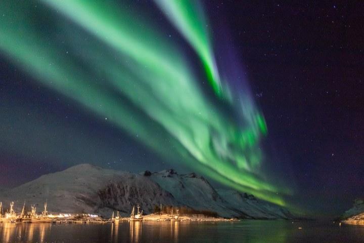 La cultura Sami tiene mucho que contarte sobre las auroras boreales. Foto: Bjørn Are With Andreassen