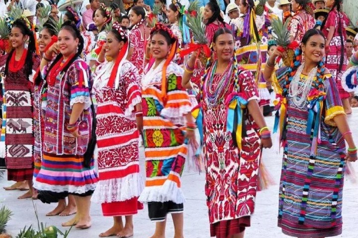 Baile Flor de Piña Foto_ Cultura colectiva
