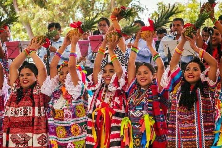 Baile Flor de Piña Foto: Fernando Huerta Cerecedo | Facebook