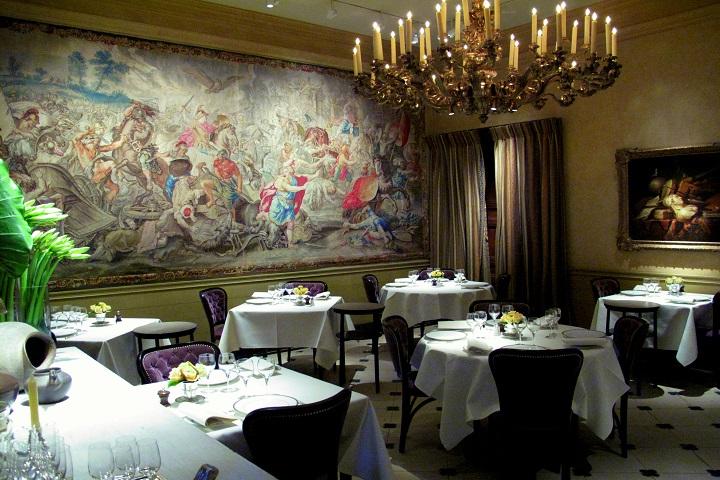 ¡Todo listo para un delicioso banquete en L'Ambroisie! Foto: Pinterest