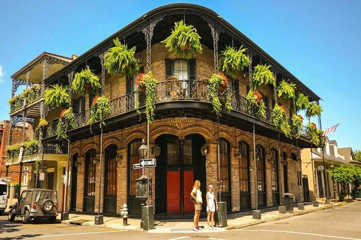 No te vayas sin visitar el Barrio Francés de esta bella ciudad embrujada en Estados Unidos. Foto: MisterB&B