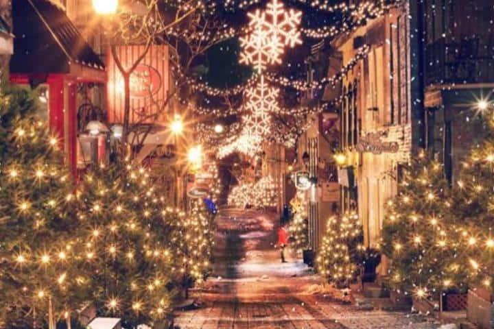 Calle Petit Champlain en Quebec durante Navidad, ¡Por eso es de las ciudades más hermosas! Foto: marcuslhardvey