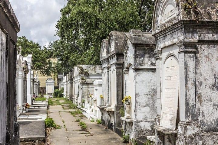 No te eches para atrás y recorre los cementerios de Nueva Orleans. Foto: Nola Curbed