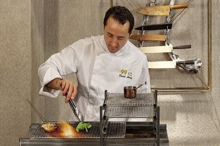 El Chef preparando una delicia Foto: Priceless