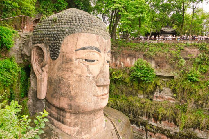 Qué detallazo el de los 1000 rizos en el Leshan Giant Buddha. Foto: freepik
