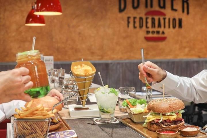Disfruta de la comida que ofrecen diversos restaurantes. Foto: Archivo