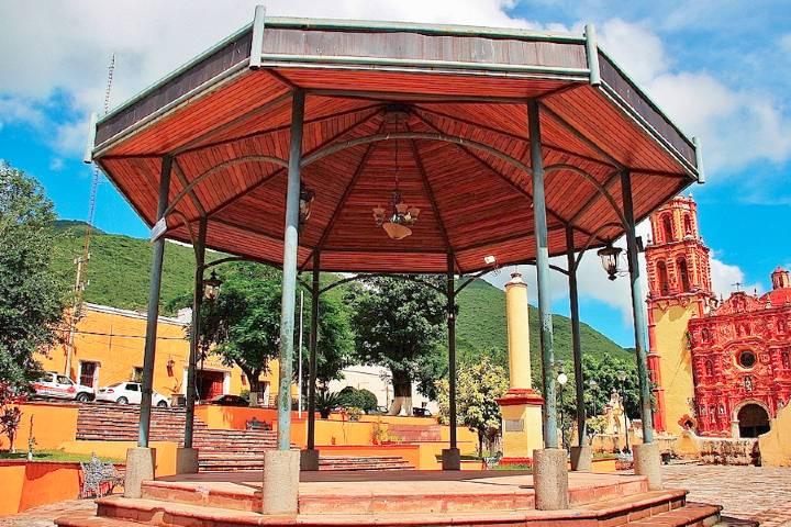 Todo el municipio de pinta de colores durante las fiestas. ¡No puedes perdértelas! Foto:  Portal de Turismo del estado de Querétaro