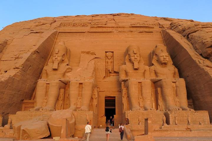 Fachada Templo de Ramses II Foto: Lameato Feliz