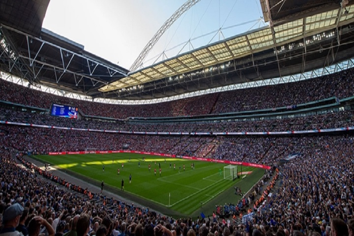 Futbol-en-el-estadio-Wembley-Stadium