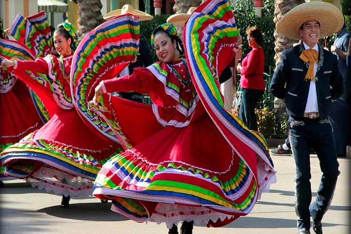Las  danzas y bailes de México son famosos y resuenan en todo el mundo, ¿No crees? Foto: López Dóriga Digital