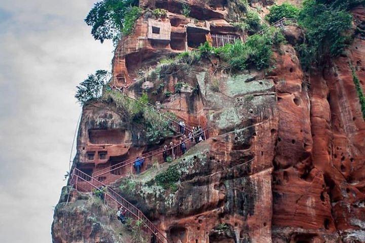 No sé tú, pero el subir la escalinata del Leshan Giant Buddha me dejaría sin aliento. Foto: omundoecapitais