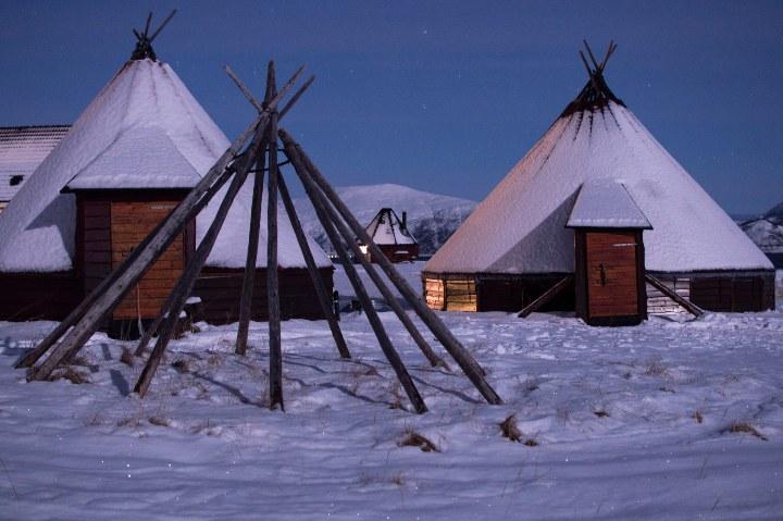 Lavvo, el hospedaje en la cultura Sami de Noruega. Foto: Federica Esposito