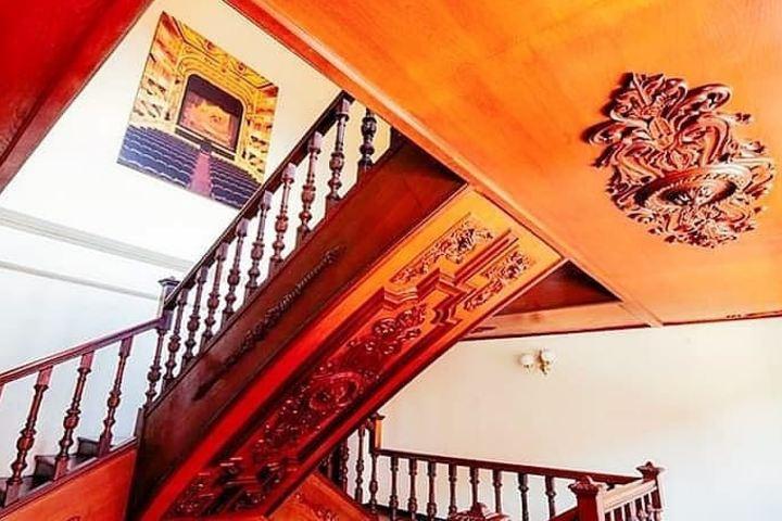 Incluso las escaleras del Teatro Macedonio Alcalá son impresionantes. Foto: shuni_44