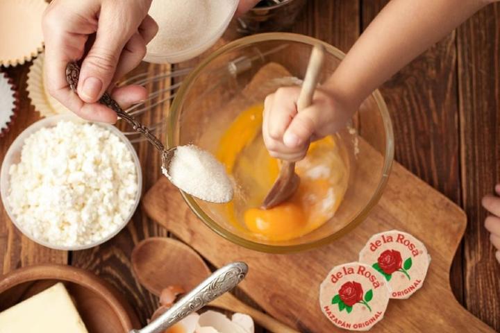 ¡Te gustaría ver cómo preparan el mazapán De La Rosa? Foto: Archivo