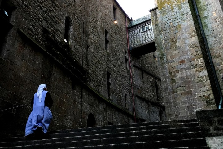 Monja en la abadía Foto: Telecinco