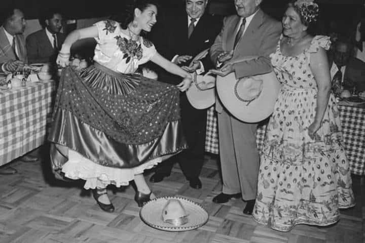 Mujer bailando Foto: Archivo