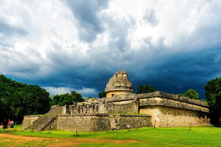 El Observatorio es uno de las edificaciones más impresionantes de Chichén Itzá. Foto: ugo German Guanumen