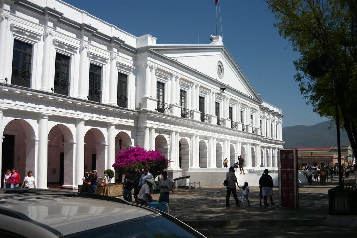 No te vayas de San Cristóbal sin visitar el Palacio Municipal. Foto: Archivo