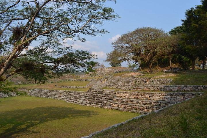 Plaza hundida de la Zona Arqueológica Chinkultic. Foto: José Miguel Escobar Pérez