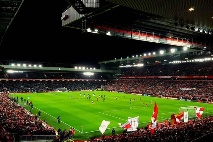 ¡Qué esperas para conoce el famoso Estadio Anfield? Foto: Stephen Payne