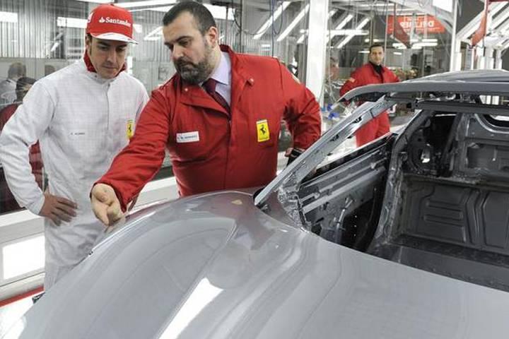 Recorrido por la fábrica de Ferrari en Italia