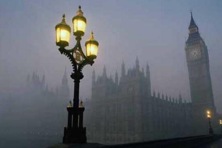 Una fría noche cerca del Big Ben Foto: Sobre Turismo