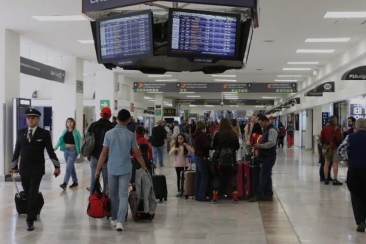 Ya puedes tramitar tu pasaporte en el Aeropuerto Internacional de la Ciudad de México. Foto: ADN Sureste