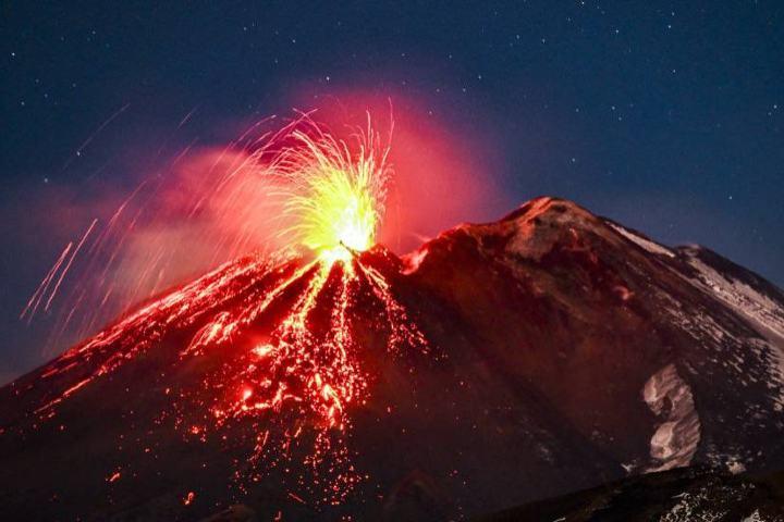 Erupción del volcán Etna Foto: Fabrizio Villa
