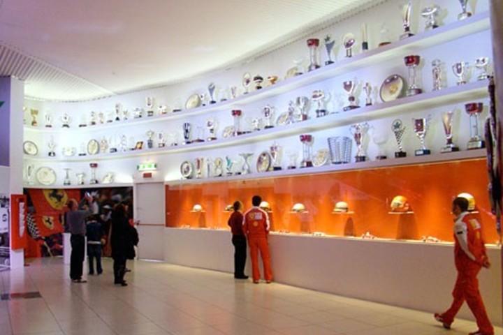 Exposición de trofeos de la F1 Foto: Cosas de Autos
