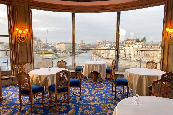 Área libre en Restaurante L'Ambroisie Foto: París by Mouth