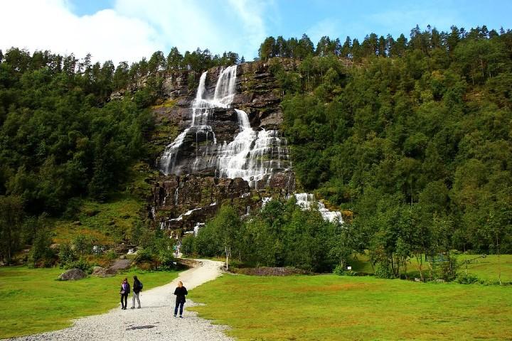 Cascada Tvindefossen. Foto: Archivo