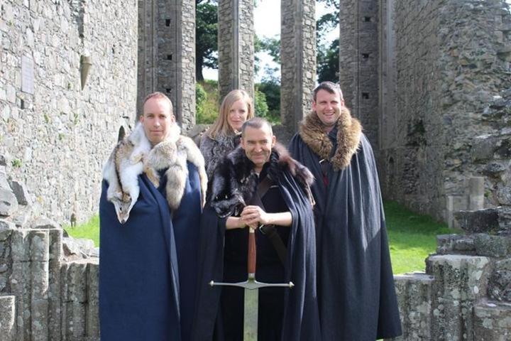 Visitantes en Castle Ward disfrazados de esta exitosa serie. Foto: Archivo