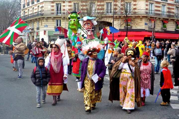 327784-carnaval-de-paris-2018