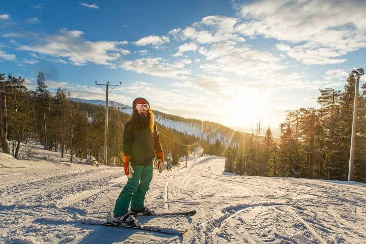 Aquí podrás disfrutar de muchas actividades cómo el esquiar. Foto: Archivo