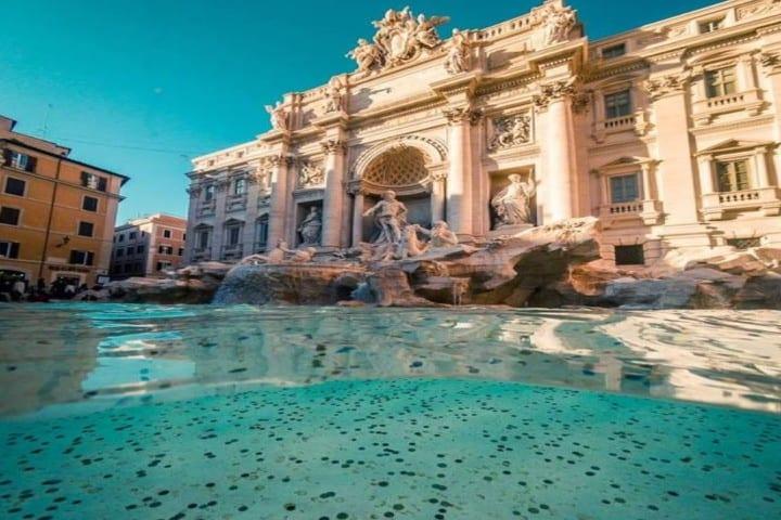Apoya a la caridad llenandote de buenos deseos en la Fontana Di Trevi Foto: ABC Tours