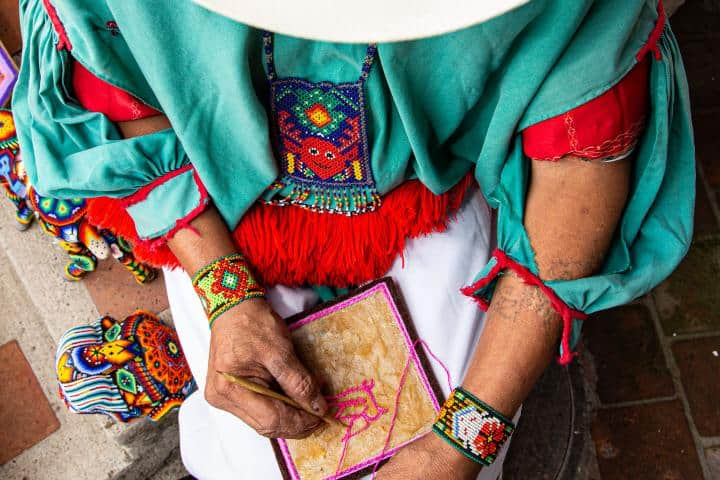 Las manos artesanas de México son reconocidas en todo el mundo. Foto: Archivo