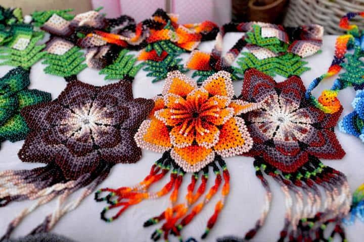 Artesanías Wixárika de Jalisco. Foto: Nivel Uno