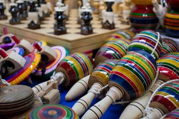 Artesanías en TlaquepArte Foto: Hora Cero