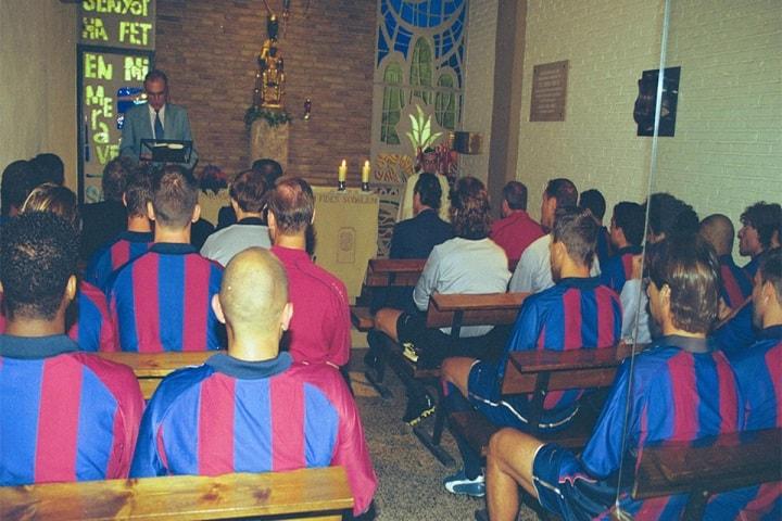 """Estamos aquí reunidos en la capilla del Camp Nou para pedir porque el Barça llegue a la final de la """"Champions"""". Foto: Sport"""