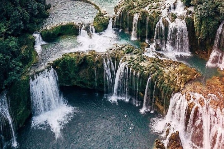 Una sorprendente caída de agua Foto: Kanelieu | Instagram