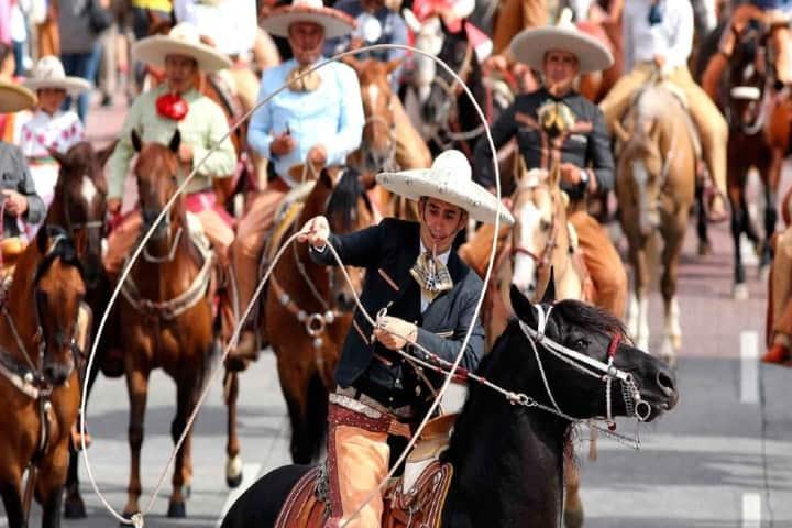 Distingue a un Charro de un Mariachi Foto: udgtv