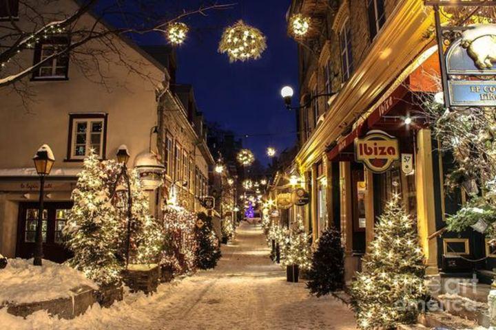 Ciudades iluminadas en Navidad. Foto Pixels. (1)