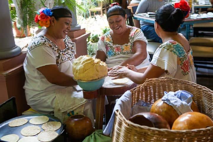 Cocineras La Chaya Maya Foto: AFAR Media