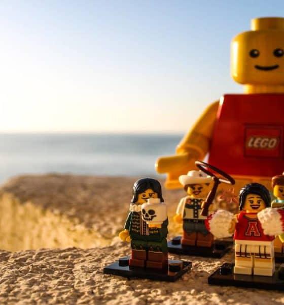 Conoce la Fábrica de Lego. Foto: no time left
