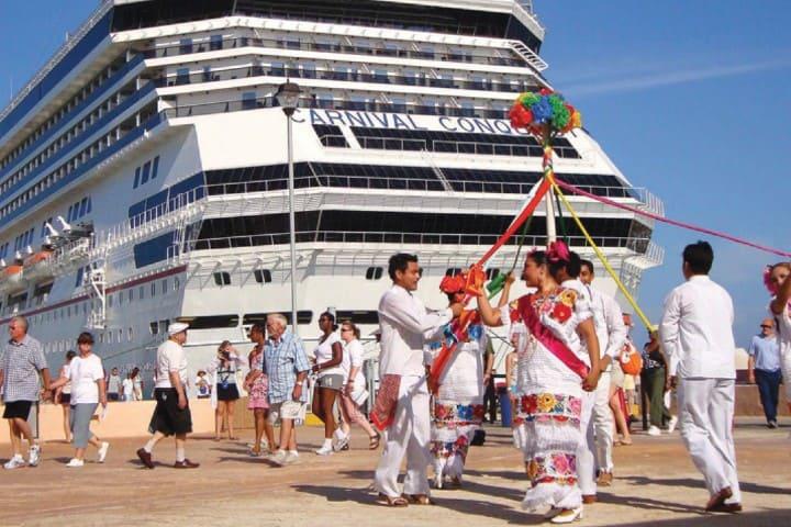 Crucero en puerto Progreso Foto: Gobierno de Yucatán