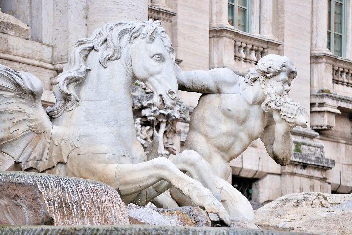 Datos curiosos de la Fontana Di Trevi Italia. Foto Vesna Zivcic.