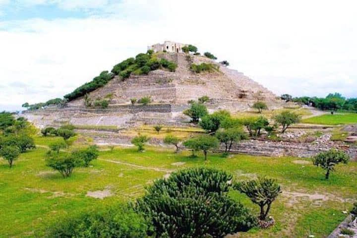 Pirámide de la Zona Arqueológica El Cerrito Foto: Queretanizate