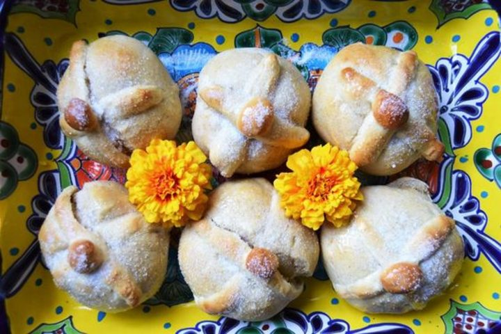 El Pan de Muerto qué se prepara en Guadalajara ¡Es delicioso! Foto Spoon University.