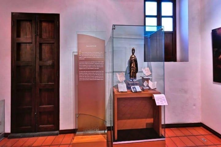 En el Convento de Santa Mónica podrás encontrar interesantes exposiciones que retratan la vida de aquellos años. Foto: Cultura Sur