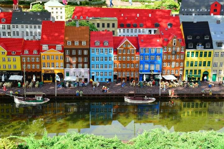 Fábrica de lego en Dinamarca. Foto Pixabay.